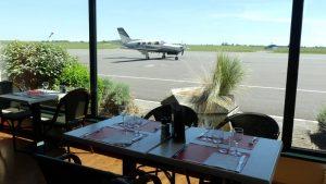 Voir les avions décoller depuis le restaurant des Têtes Brulées